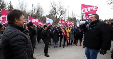 Mark Hancock and Charles Fleury on the line with CUPE 2424